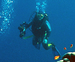 open water and advanced open water training, rescue training, dive master training, specialty courses training, diving instructor training
